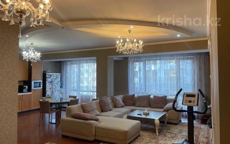 4-комнатная квартира, 160 м², 5/13 этаж на длительный срок, Ходжанова 81 за 600 000 〒 в Алматы, Бостандыкский р-н