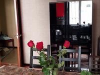 3-комнатная квартира, 150 м² на длительный срок, Курмангазы 145 за 300 000 〒 в Алматы