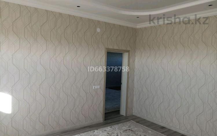 6-комнатный дом, 220 м², 8 сот., 11 за 26 млн 〒 в Аксае