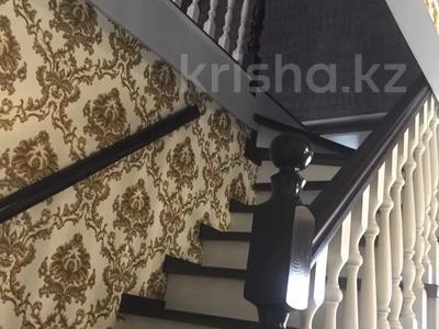8-комнатный дом, 240 м², 6 сот., Жетисай 63 за 55 млн 〒 в Нур-Султане (Астана), р-н Байконур