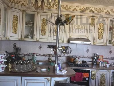 8-комнатный дом, 240 м², 6 сот., Жетисай 63 за 55 млн 〒 в Нур-Султане (Астана), р-н Байконур — фото 3
