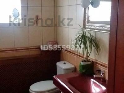 4-комнатный дом, 92 м², 4 сот., Мельничная за 25.5 млн 〒 в Караганде, Казыбек би р-н