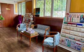 Здание, площадью 900 м², Ломоносова 26А за 134.4 млн 〒 в Алматы, Жетысуский р-н