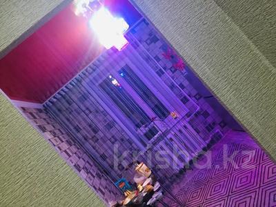 3-комнатная квартира, 64.3 м², 5/9 этаж, Мамыраева 15 — 16 за 11.5 млн 〒 в Караганде, Октябрьский р-н