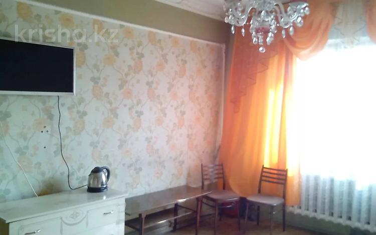 1-комнатная квартира, 40 м² по часам, мкр Жетысу-2, Абая 70А — Саина за 1 000 〒 в Алматы, Ауэзовский р-н