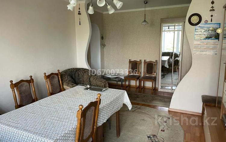 3-комнатная квартира, 64 м², 4/9 этаж, проспект Шакарима 15 за 23 млн 〒 в Семее