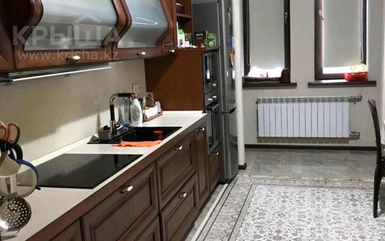 3-комнатная квартира, 100 м², 1/8 этаж помесячно, Ивана Панфилова 3 за 270 000 〒 в Нур-Султане (Астана), Алматы р-н