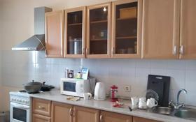 2-комнатная квартира, 64 м², 12/12 этаж, М. Габдуллина 19 за 22.3 млн 〒 в Нур-Султане (Астана), р-н Байконур