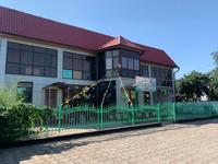 Здание, площадью 416 м²