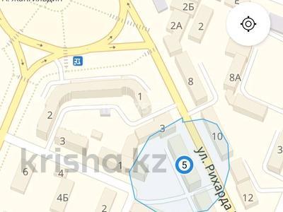 1-комнатная квартира, 40 м², 1/3 этаж посуточно, Рихарда Зорге 5 за 7 000 〒 в Алматы, Турксибский р-н — фото 9