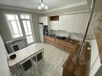 2-комнатная квартира, 75 м², 7/12 этаж посуточно, Алиби Жангелдин 67 за 22 000 〒 в Атырау