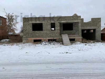 4-комнатный дом, 250 м², 10 сот., Кооперативная, ( Иван Суптеля) 11 за 10 млн 〒 в Аксу