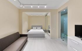 1-комнатная квартира, 51 м², 5/9 этаж посуточно, Е-49 1А — Достык за 12 000 〒 в Нур-Султане (Астана), Есиль р-н