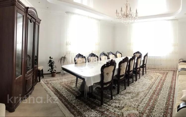 6-комнатный дом, 300 м², 10 сот., Аль-Фараби 20 — Караоткель за 43 млн 〒 в Ильинке