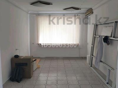 Магазин площадью 80 м², Габидена Мустафина 28 — Аль-Фараби за 690 000 〒 в Алматы — фото 5