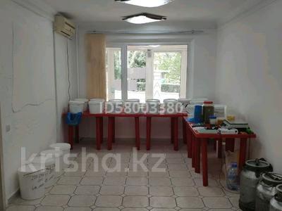 Магазин площадью 80 м², Габидена Мустафина 28 — Аль-Фараби за 690 000 〒 в Алматы — фото 9