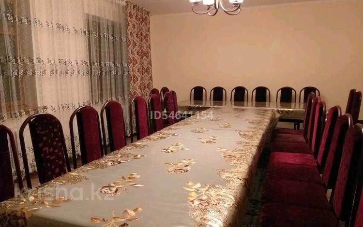 10-комнатный дом посуточно, 450 м², 12 сот., улица Айтиева 152 — Жамбула- Ауэзова за 20 000 〒 в Алматы, Алмалинский р-н