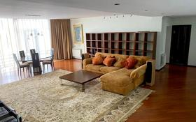 3-комнатная квартира, 200 м², 7/10 этаж помесячно, Достык 132 за 690 000 〒 в Алматы, Медеуский р-н