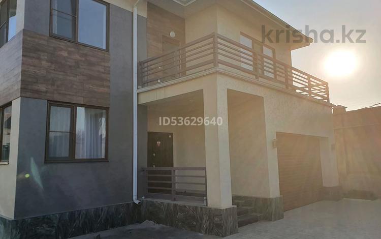 6-комнатный дом, 253 м², 8 сот., мкр Нурлытау (Энергетик), 14-ая улица 274 за ~ 115.6 млн 〒 в Алматы, Бостандыкский р-н