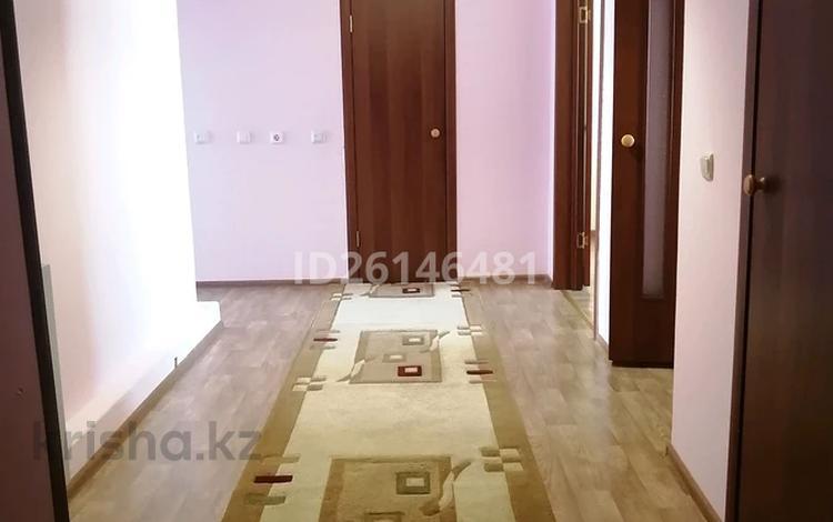 2-комнатная квартира, 71 м², 5/9 этаж посуточно, Жанасемейская — Победы за 5 500 〒 в Семее