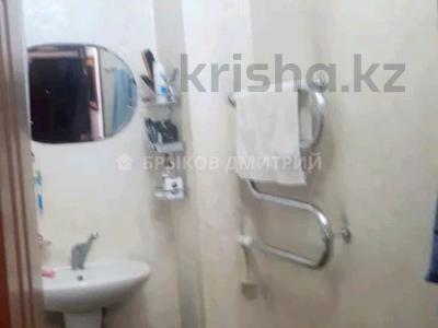 2-комнатная квартира, 57 м², 5/5 этаж, мкр Кулагер за 18 млн 〒 в Алматы, Жетысуский р-н — фото 9