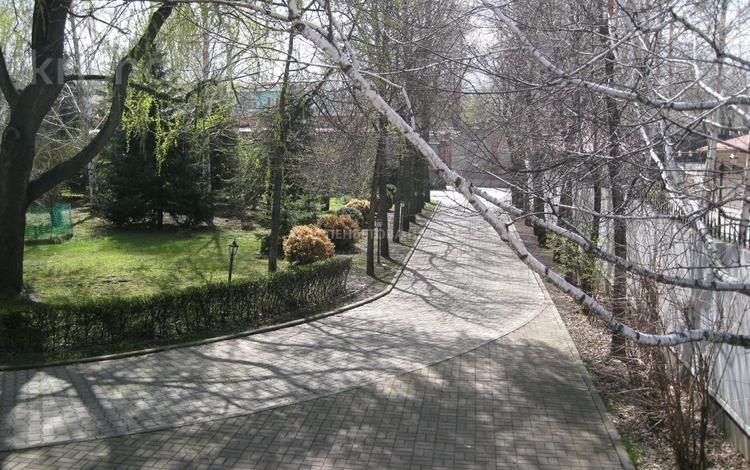 Участок 38 соток, мкр Мирас за 400 млн 〒 в Алматы, Бостандыкский р-н