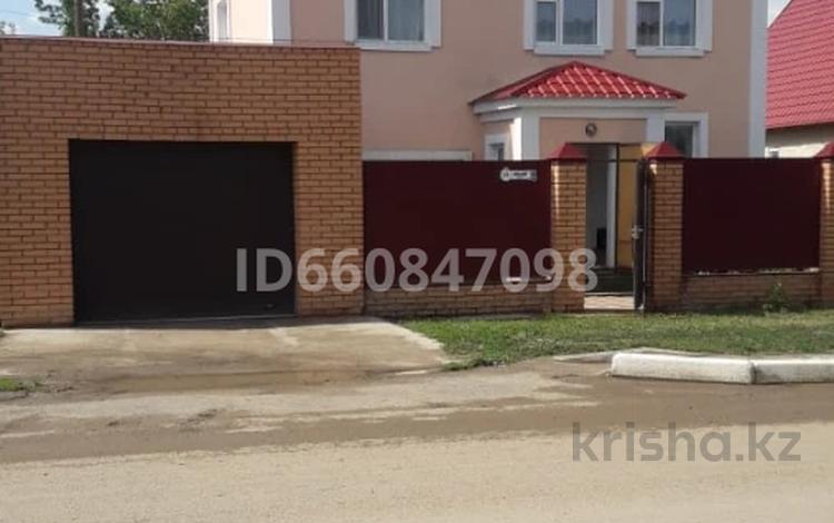 6-комнатный дом, 220 м², 3 сот., Село Таскала, Абая 25 за 22 млн 〒