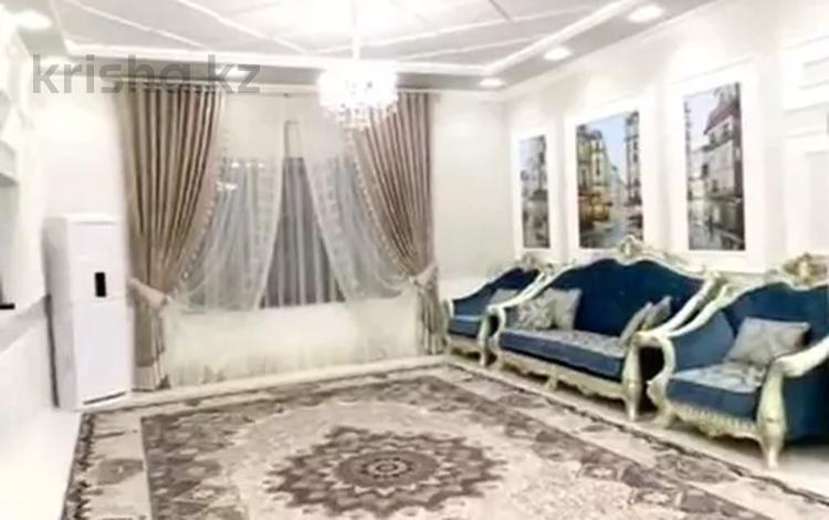 5-комнатный дом, 320 м², 8 сот., Мирас мкр за 80 млн 〒 в Шымкенте