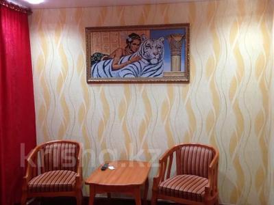 1-комнатная квартира, 32 м², 1/5 этаж по часам, Казыбек би р-н за 750 〒 в Караганде, Казыбек би р-н — фото 2