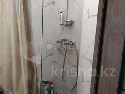 1-комнатная квартира, 42 м², 2/14 этаж, мкр Аксай-1, Мкр Аксай-1 15 за 15 млн 〒 в Алматы, Ауэзовский р-н