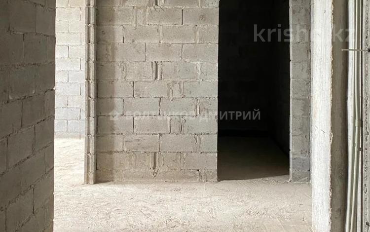 1-комнатная квартира, 64 м², 10/10 этаж, мкр №12, 12-й мкрн 26 за ~ 24.6 млн 〒 в Алматы, Ауэзовский р-н