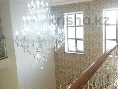 9-комнатный дом, 300 м², 8 сот., улица Тулпар Пахтакор за 50 млн 〒 в Шымкенте, Енбекшинский р-н — фото 6