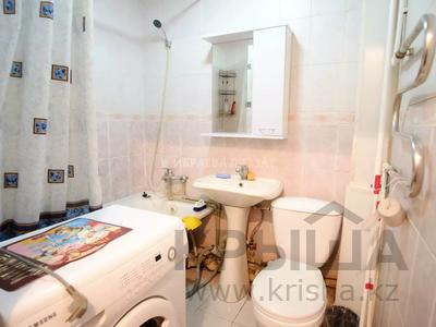 1-комнатная квартира, 35 м², 2/3 этаж, Сембинова за 9.3 млн 〒 в Нур-Султане (Астана), р-н Байконур — фото 12