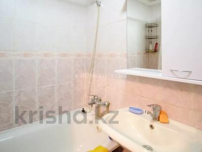 1-комнатная квартира, 35 м², 2/3 этаж, Сембинова за 9.3 млн 〒 в Нур-Султане (Астана), р-н Байконур — фото 11