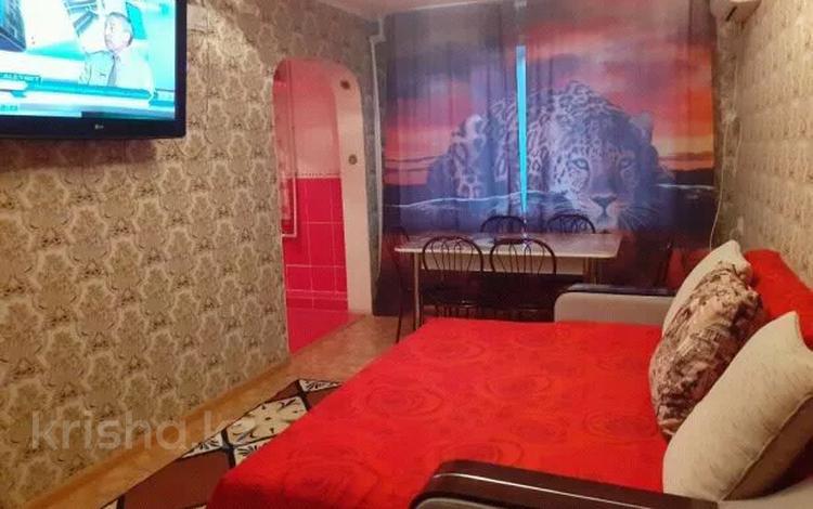 1-комнатная квартира, 41 м², 1/5 этаж посуточно, Бектурганова 30 — Есенова за 5 000 〒 в