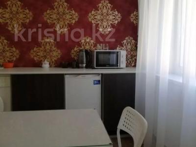 1-комнатная квартира, 40 м², 3/5 этаж посуточно, Гоголя 51 за 5 000 〒 в Караганде, Казыбек би р-н