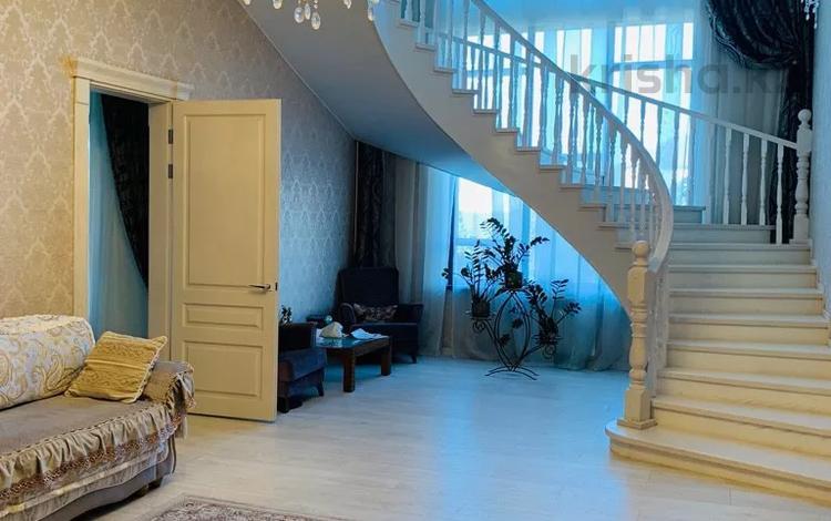 6-комнатный дом, 304 м², 10 сот., Иляева 12 за 105 млн 〒 в Шымкенте