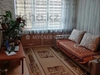 3-комнатная квартира, 66 м², 4/5 этаж, мкр Аксай-3, Момышулы 22 за 17.5 млн 〒 в Алматы, Ауэзовский р-н — фото 3