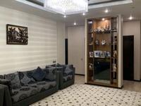 4-комнатная квартира, 140 м², 4/9 этаж помесячно