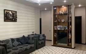 4-комнатная квартира, 140 м², 4/9 этаж помесячно, Мангилик Ел 28 за 320 000 〒 в Нур-Султане (Астана), Есиль р-н
