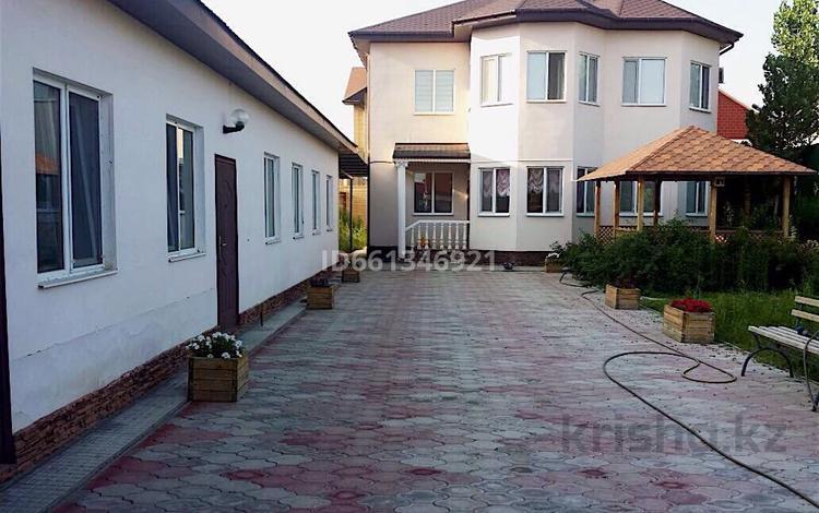 5-комнатный дом, 248.5 м², 9 сот., Мкр Жеруйык 7 за ~ 70 млн 〒 в Атырау