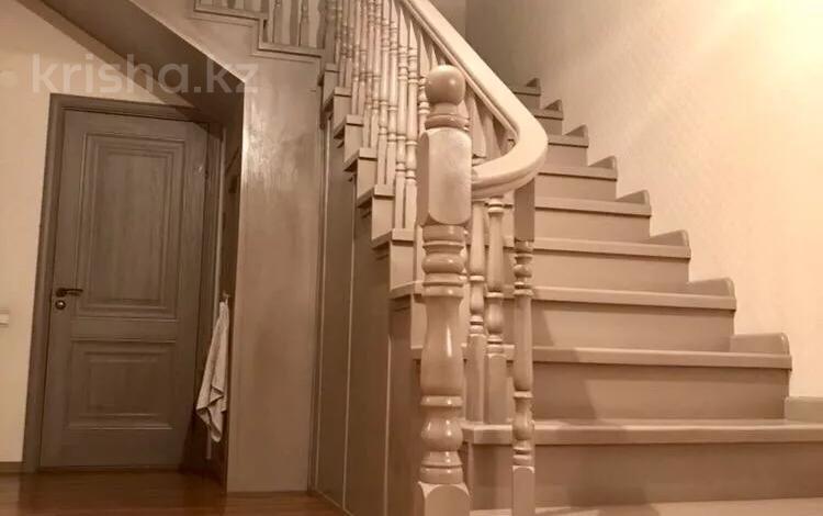 6-комнатный дом, 260 м², 4 сот., мкр Думан-1 — Акжайык за 47 млн 〒 в Алматы, Медеуский р-н