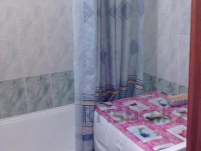 1-комнатная квартира, 40 м², 3/5 этаж посуточно, улица Кривенко 81 — Назарбаева за 3 500 〒 в Павлодаре — фото 3