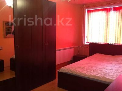 3-комнатная квартира, 65 м², 2/5 этаж посуточно, Майлина 85 — Гагарина за 12 000 〒 в Костанае — фото 3