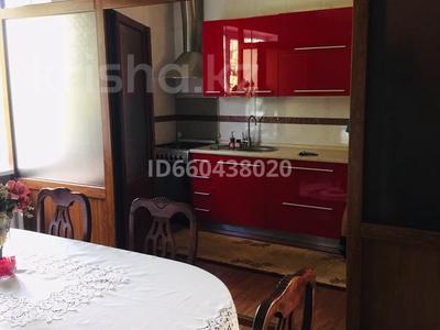 6-комнатный дом помесячно, 165 м², 8 сот., мкр Калкаман-2 74А за 400 000 〒 в Алматы, Наурызбайский р-н — фото 3