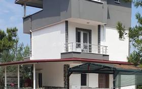 5-комнатный дом, 200 м², Ул.3004 25 за ~ 36.9 млн 〒 в