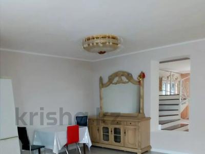 8-комнатный дом помесячно, 160 м², 180 сот., Островского 197 за 350 000 〒 в Кокшетау — фото 3
