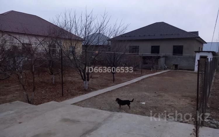 4-комнатный дом, 111 м², 8 сот., мкр Самал-3 за 28 млн 〒 в Шымкенте, Абайский р-н