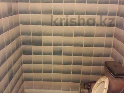 Магазин площадью 53 м², Курмангали Оспановича Оспанова 6Б за 7.3 млн 〒 в Актобе — фото 9