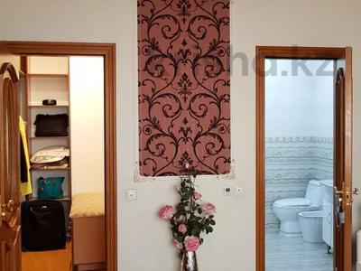 4-комнатная квартира, 170 м², 3/6 этаж помесячно, Калдаякова 2 за 685 000 〒 в Нур-Султане (Астана), Алматинский р-н — фото 17
